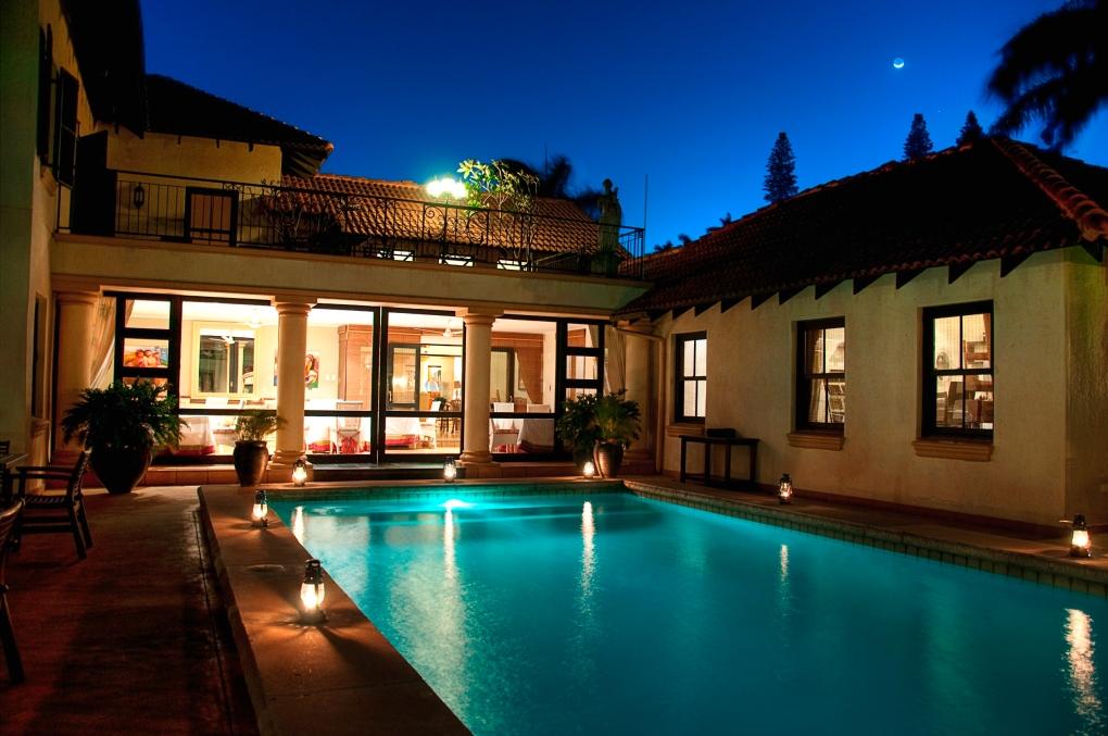 exterior-pool-25-1_ss14070
