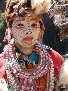 Kikuyu_woman_traditional_dress
