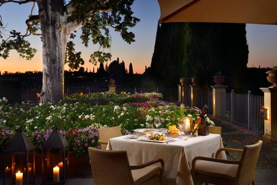 garden-terrace-dinner