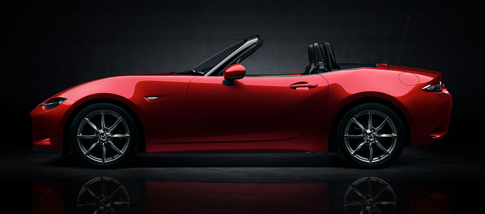 2017 Mazda MX-5 Roadster Coupe (www.mazda.co.uk).jpg