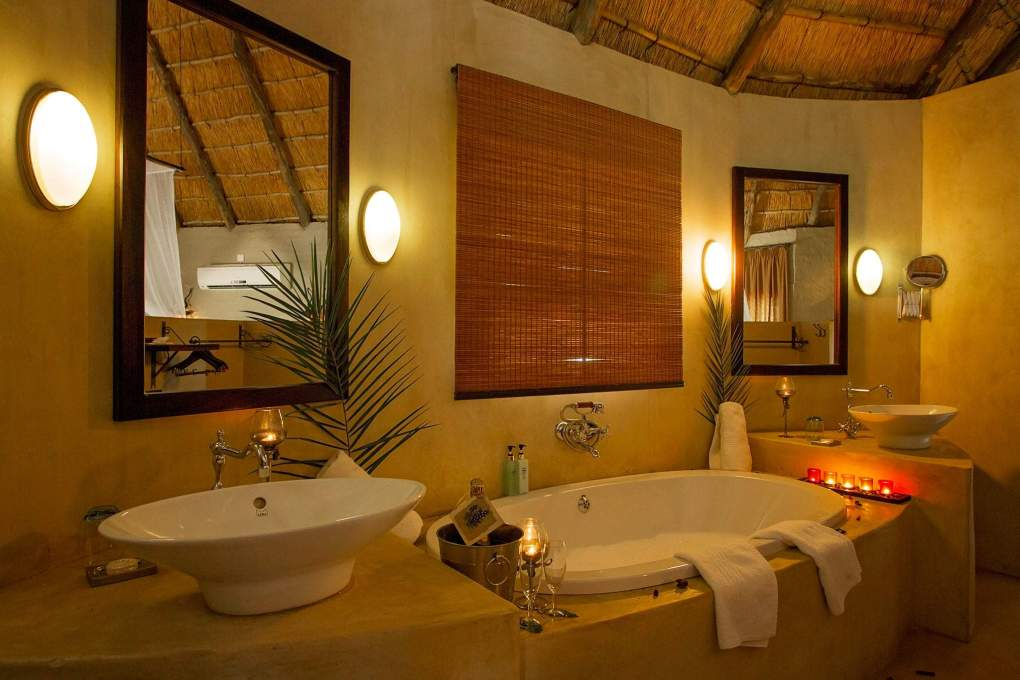 Bathroom at Ngoma Safari Lodge