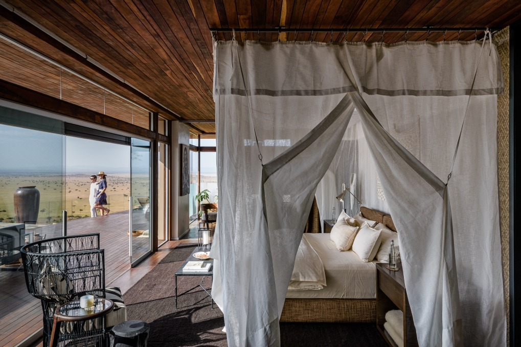Hillside-Suite-Singita-Sasakwa-Lodge-Bedroom-and-Deck